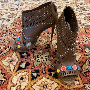 EUC Perforated Nut Brown Gucci Booties sz 39.5